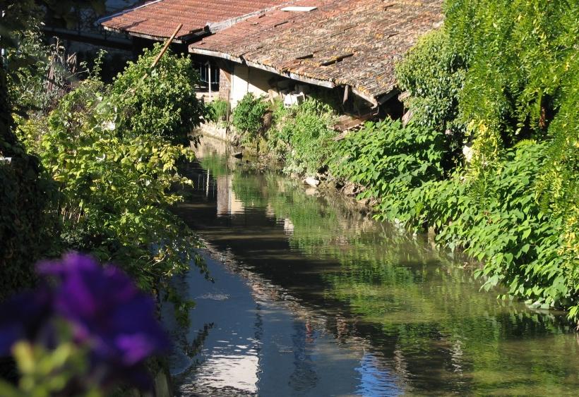 Les lavoirs sur le Cubry à Epernay, de nos jours.